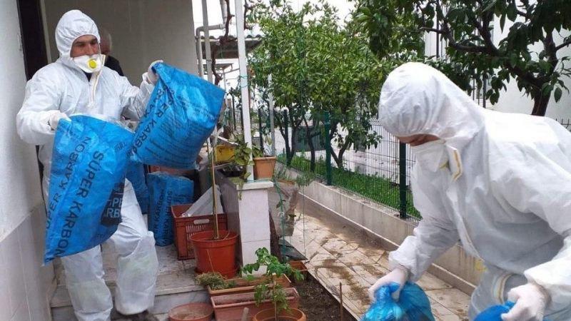 Edremit Belediyesi çöpleri evden alıyor