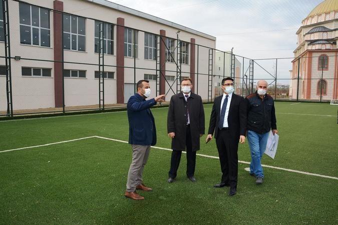 Edremit'te 750 kişilik kapalı spor salonuna inceleme