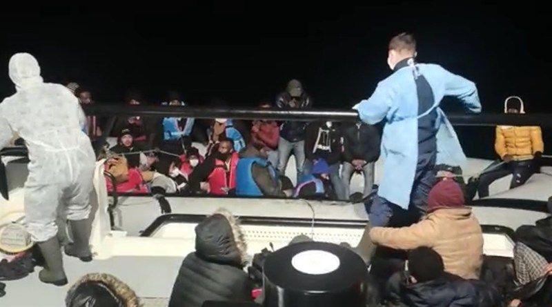 54 göçmen Sahil Güvenlik tarafından kurtarıldı