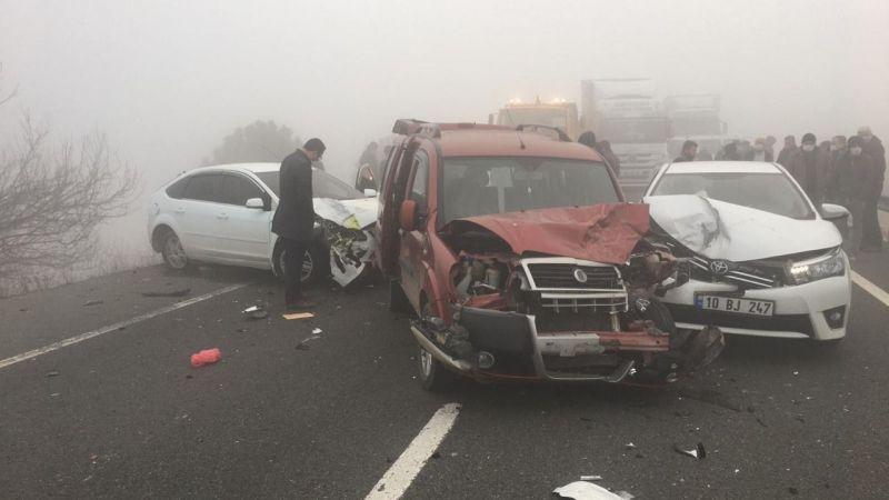 Aşırı sis nedeniyle 9 Araç birbirine girdi