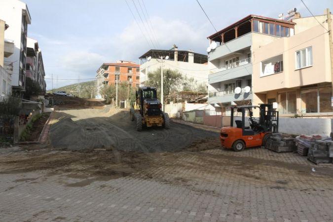 Edremit'te üç mahallede yollar yenileniyor