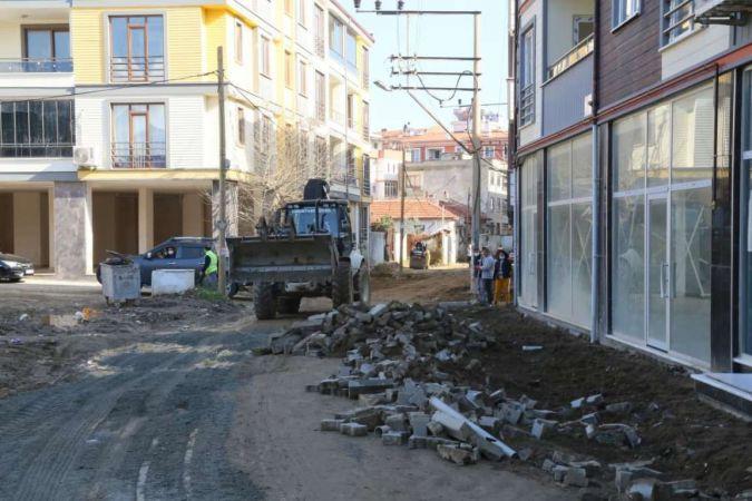 Edremit Belediyesi fen işleri ekipleri çalışıyor