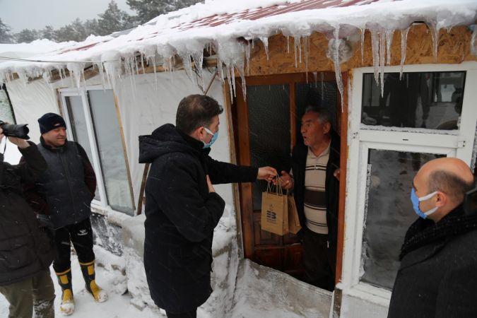 Edremit Belediyesi kar, kış vatandaşın yanında