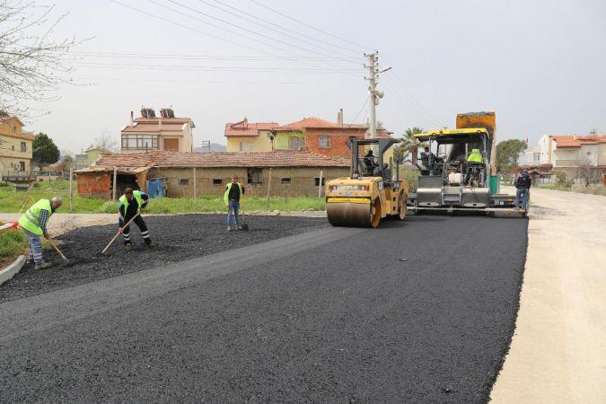 Burhaniye Kabaağaç Caddesindeki yol çalışmasında sona gelindi