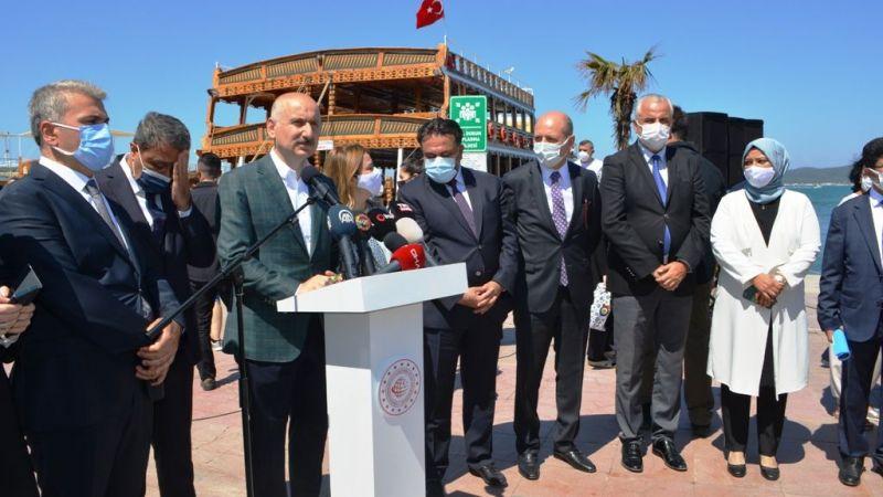 Ulaştırma Bakanı Karaismailoğlu, Ayvalık'ta Tekne Sahipleriyle Bir Araya Geldi