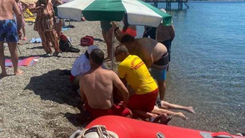 Yaşlı adam denize girerken fenalaştı