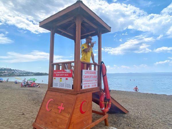 Burhaniye sahillerinde cankurtaranlar göreve başladı