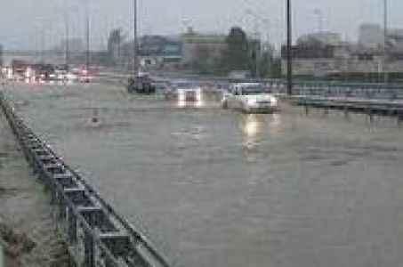 Sel ve fırtına uyarısı