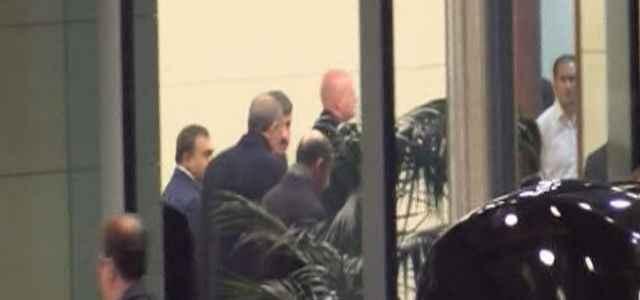 Havalimanında sürpriz toplantı
