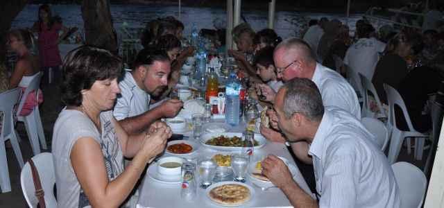 Müftülük'ten yabancılara iftar