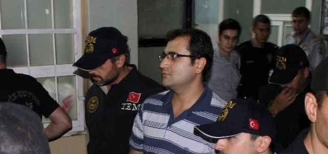 Gözaltına alınanlar sağlık kontrolünden geçiyor