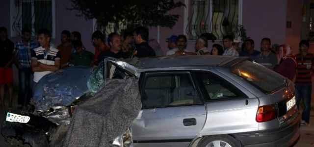 İftar saatinde feci kaza: 1 ölü 4 yaralı