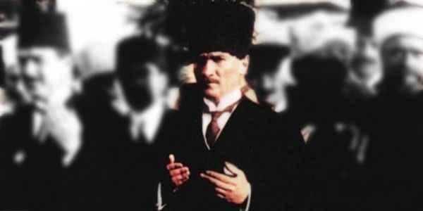 Atatürk Ramazan'da  Yasin Suresi'ni okurdu