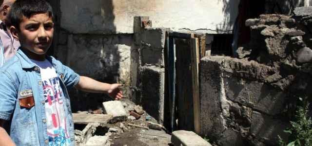 Duvar faciası: 2 çocuk öldü