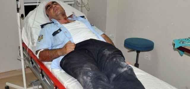 Polisleri hastanelik ettiler