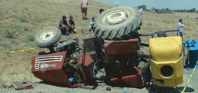 Traktör sevdası canından etti
