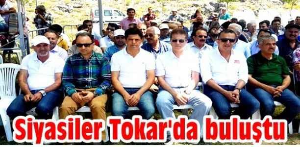 Siyasiler Tokar'da buluştu