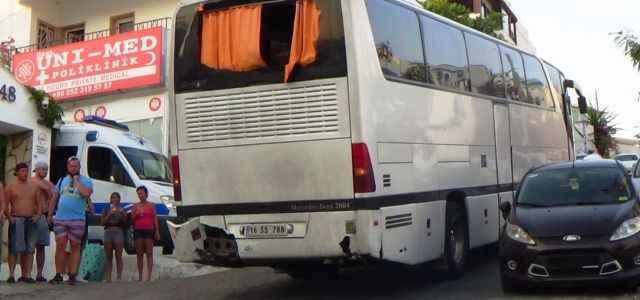 Otobüs bakın bu kez nereye girdi