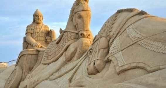 Dünya'nın en büyük kum heykeli bakın nerde yapılacak