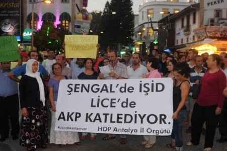 Heykel gerginliğine Türk bayrağı açtılar