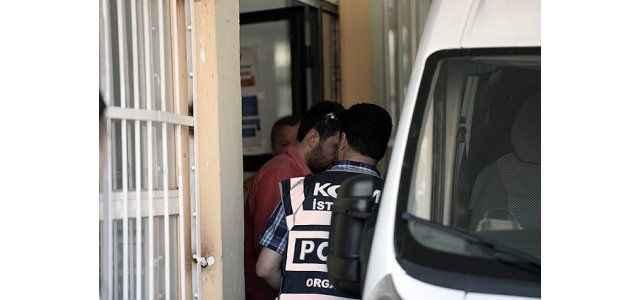 Darbeye teşebbüsten 5 tutuklama