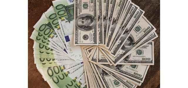 Dolar ve Euro düşüyor