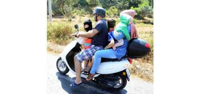 Motosikletle aile boyu yolculuk