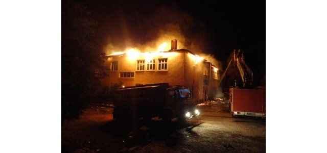 Terör örgütü, dershane ve okulları yaktı