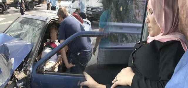 3 araç kazaya karıştı hamile kadın şoka girdi