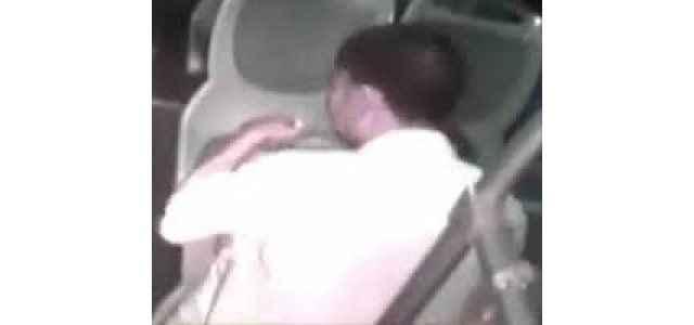 Otobüste şok! Tecavüz etmeye kalktı