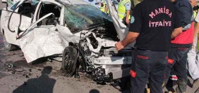 Kaza dehşeti: 4 ölü 3 ağır yaralı