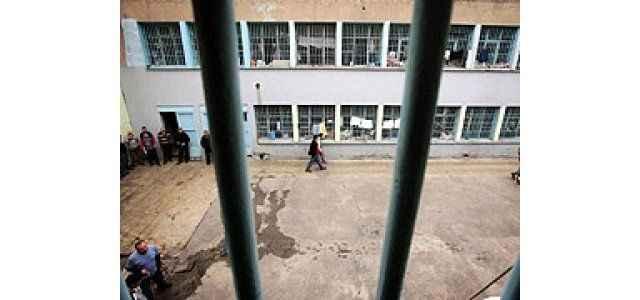 Tecavüz edildiği hapse geri gönderdiler