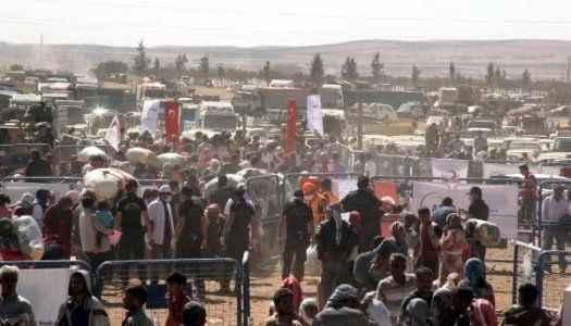 Türkiye sınırında çatışıyorlar