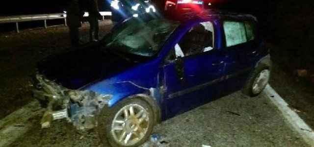 Virajı alamayan otomobil takla attı: 2 ölü
