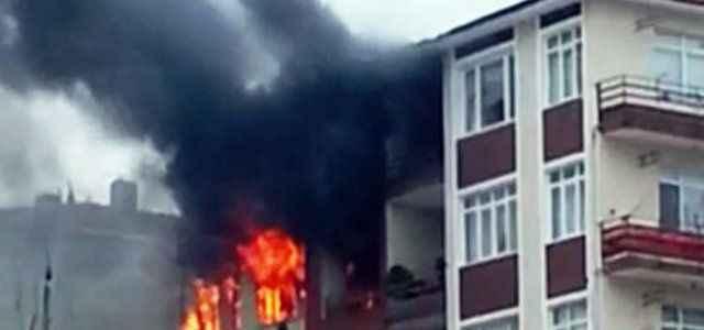 Doğalgaz sobası evi yaktı