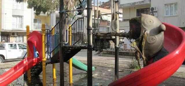 Çocuk parkı kundaklandı