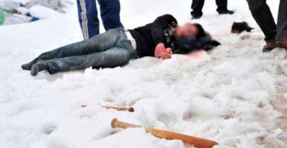 Öfkeli baba, kızını kaçıran genci öldüresiye dövdü