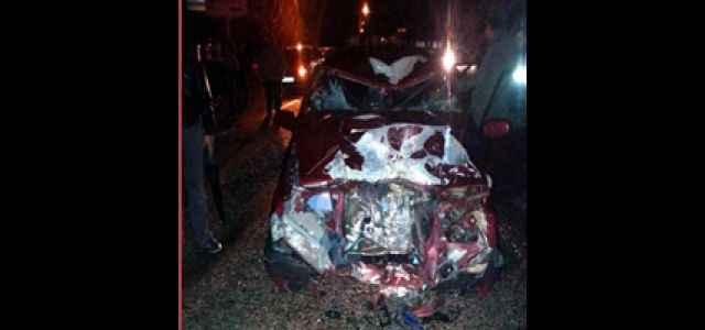 Otomobille motosiklet çarpıştı: 1 ölü