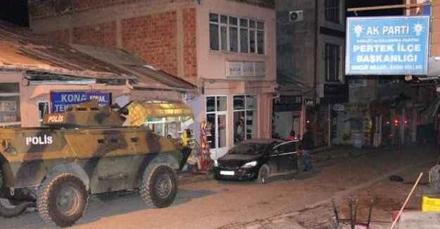 Ak Parti İlçe Teşkilatına molotoflu saldırı