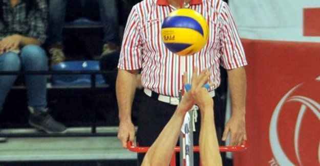 Rus voleybol takımları Türkiye'ye gelmeyince hükmen mağlup oldu