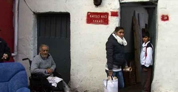 Durakta yaşayan yaşlı kadına belediye sahip çıktı