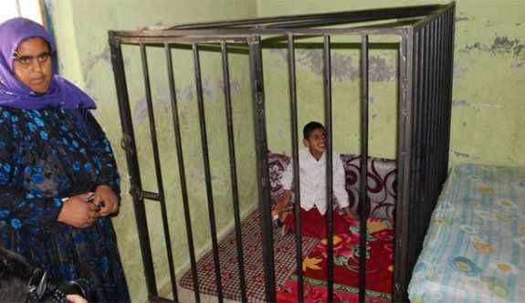 Kafese konulan çocuğun dramı