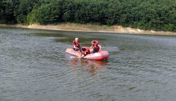 Balıkçı teknesi devrildi: 2 ölü