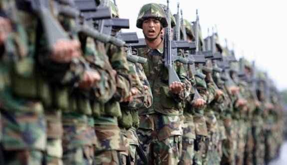 820 asker ordudan atıldı