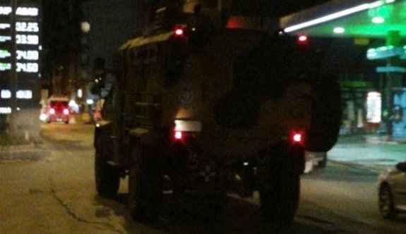 Askeri aracın geçişi sırasında patlama: 2 asker yaralı