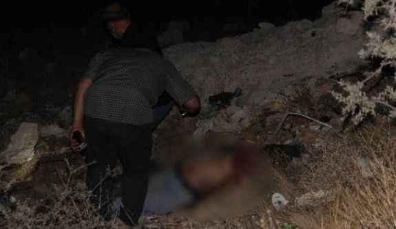 Dağlık alanda çürümüş erkek cesedi bulundu