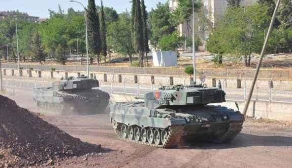 90'dan fazla tank taşındı!