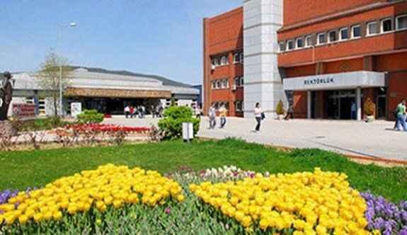 O üniversitede 450 kişi açığa alındı