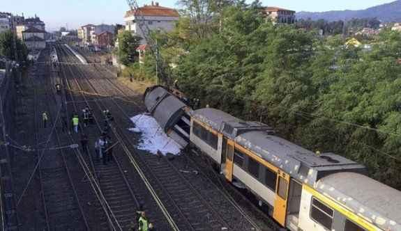 Tren kazası: 4 ölü, 47 yaralı