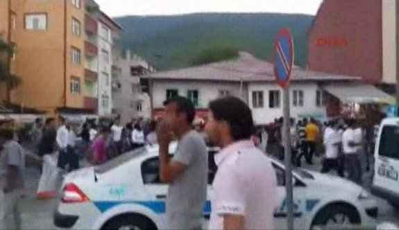 İki grup birbirine girdi, sokağa çıkmak yasaklandı